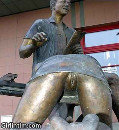 Проститутки в праге скульптура